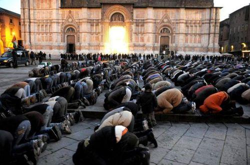 MuslimsPray